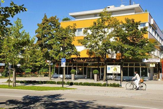 Ottobrunn, Niemcy: Exterior view