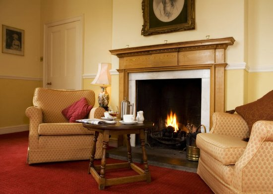 The Worsley Arms Hotel: Lounge