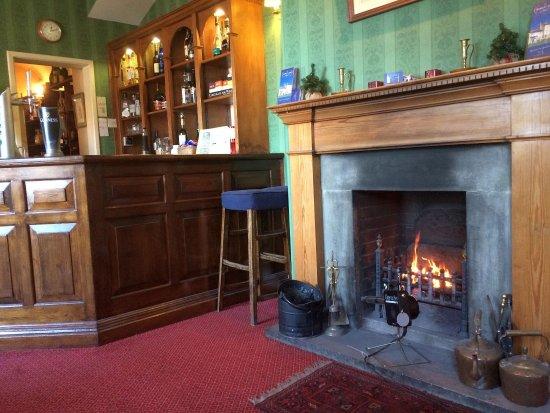 The Worsley Arms Hotel: Bar