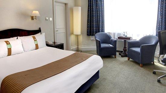 假日法恩堡酒店