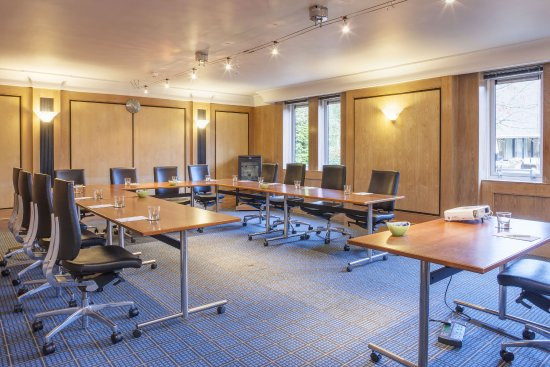 Brighouse, UK: Meeting room from 2 - 20 delegates boardrom