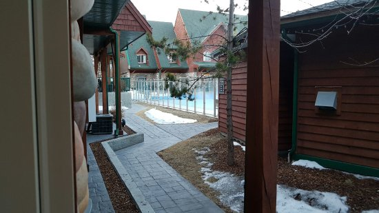 Mystic Springs Chalets & Hot Pools: 20170320_074724_large.jpg