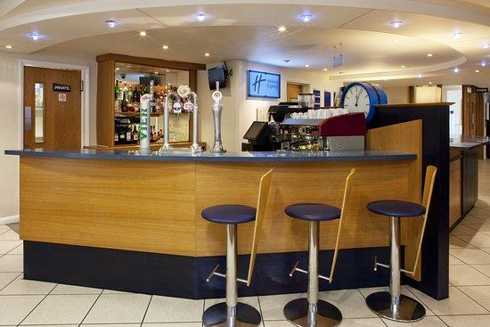 Upper Harbledown, UK : Lobby Bar serving a range of drinks and Torelli coffee