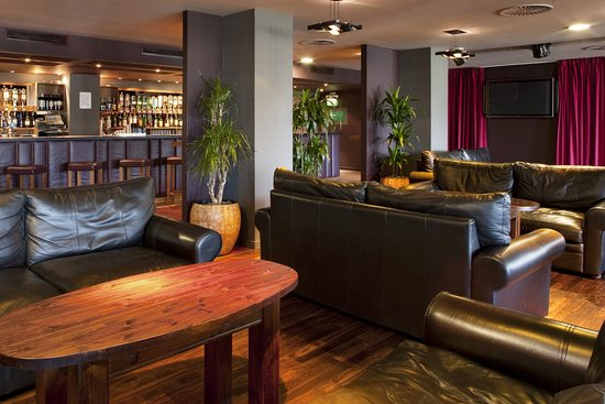 Westhill, UK : Bar and Lounge