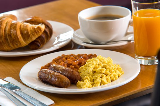 Llandarcy, UK: Make sure you help yourself at our Express Start Breakfast!