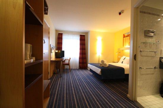 Holiday Inn Express London Croydon: Guest Room