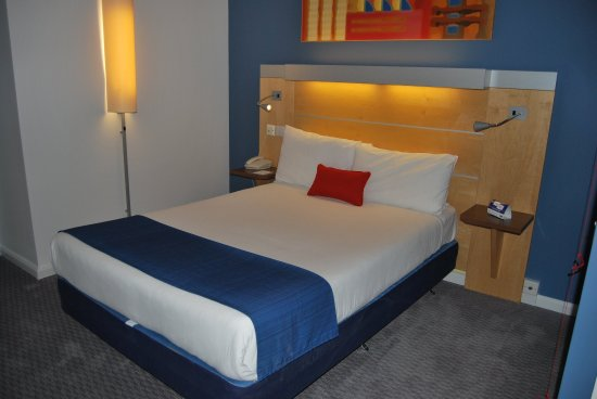 Holiday Inn Express London Croydon: Guest Room