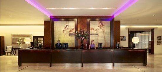 Park Plaza London Riverbank: Lobby