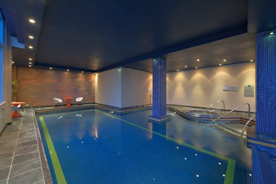 Pool picture of radisson blu hotel liverpool liverpool tripadvisor for Hotels in liverpool with swimming pool