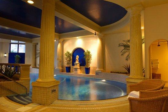 Charingworth Manor: pool