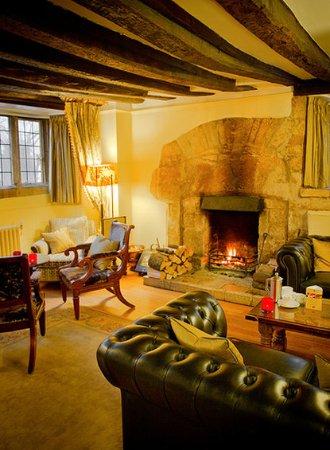 Charingworth Manor: Bar