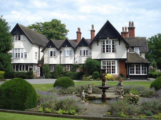 Mere Court Hotel And Conference Centre