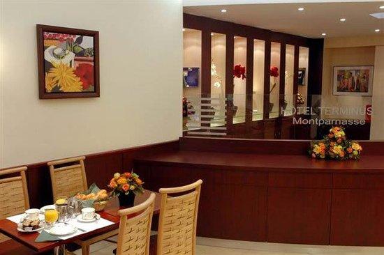 Hotel Terminus Montparnasse : Breakfast