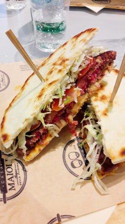 Orio Al Serio, Italy: Piada Hamburger.