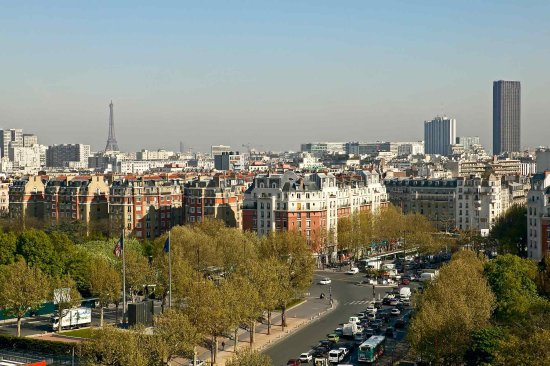 Issy-les-Moulineaux, Francia: Other