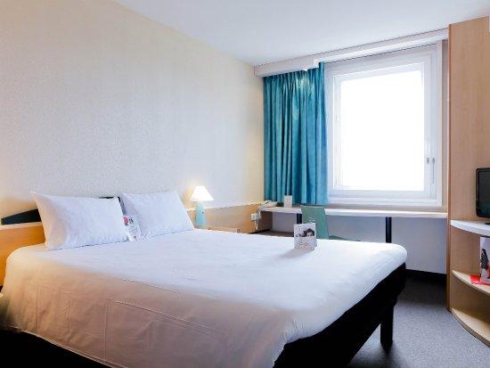Caluire et Cuire, France: Guest Room