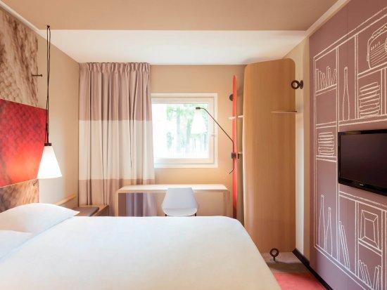 Saint Louis, France: Guest Room
