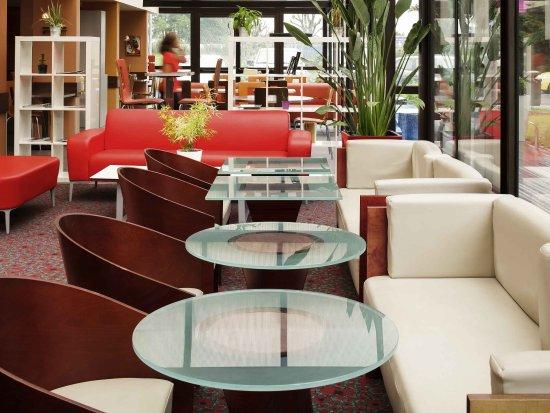 Emerainville, Frankreich: Restaurant