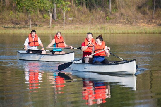Hidden Valley Inn: Kayaking on our Lake Lolly Folly