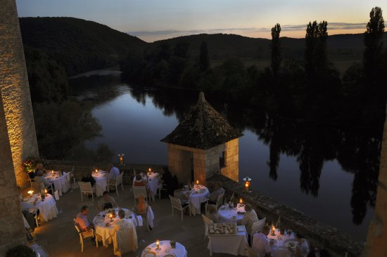 Lacave, France: Terrace over the Dordogne Valley