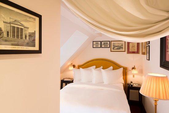 La chambre du marais hotel paris france voir les for Hotel bas prix paris