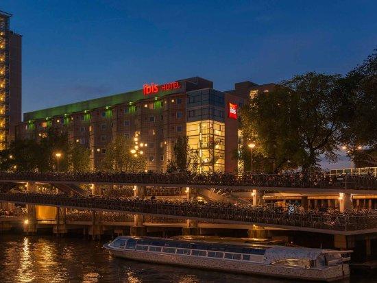 Ibis Amsterdam Centre: Exterior