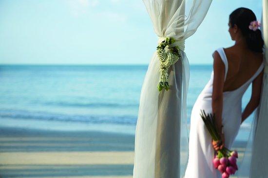 Four Seasons Resort Koh Samui Thailand : Beach Wedding - Bride