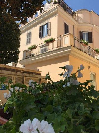 """Casa di Accoglienza """"Paolo VI"""": Camere con balcone"""