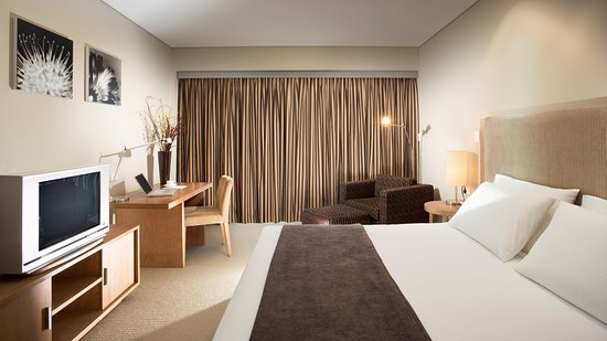 Lovedale, Australien: Guest Room with modern features and amenities