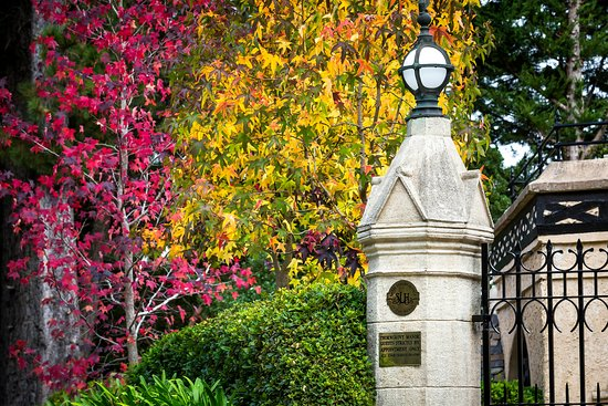 Stirling, Australia: Beautiful Autumn at Thorngrove Manor