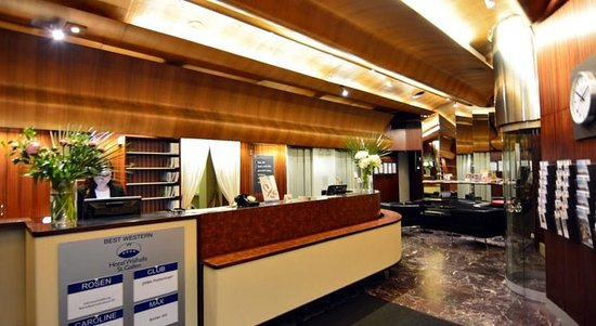Hotel Walhalla: Hotel Lobby!