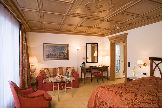 Kulm Hotel St. Moritz: Deluxe_Double_Room_Lake_Side_South_Main_Kulm