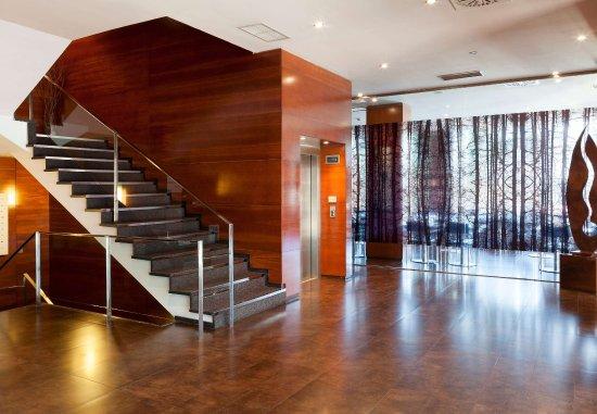 AC Hotel Ponferrada : Lobby