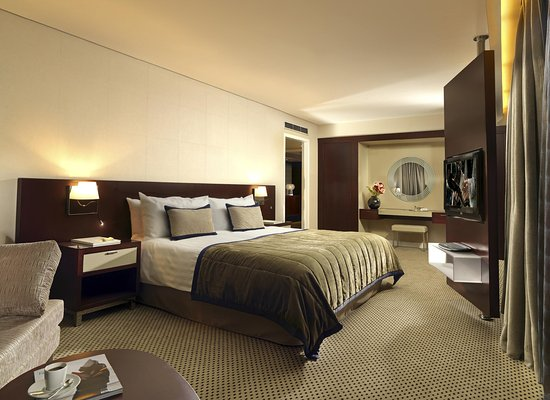 InterContinental Athenaeum: Deluxe Suite, meticulous in every detail.