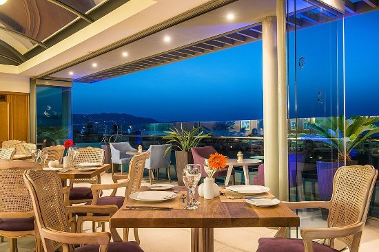 Castello City Hotel: Fifth Floor Restaurant