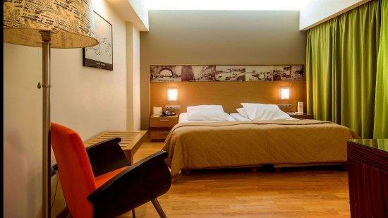 Capsis Astoria Heraklion Hotel: Family Room