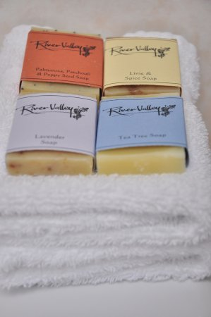 Taihape, Nueva Zelanda: Soaps handcrafted locally by 'Jeymar Soap and Body' in a small rural township called Wairau Vall