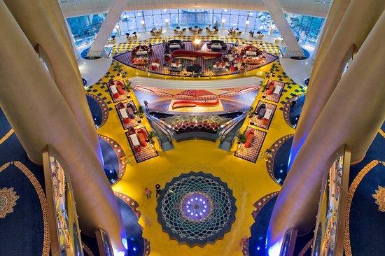 Burj Al Arab Jumeirah: Hotel Lobby