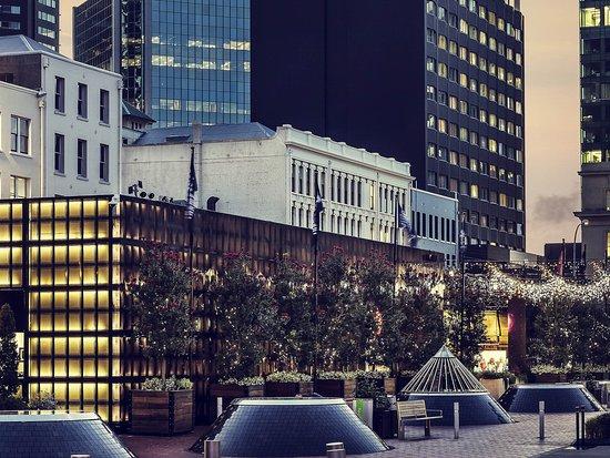 Mercure Auckland: Exterior