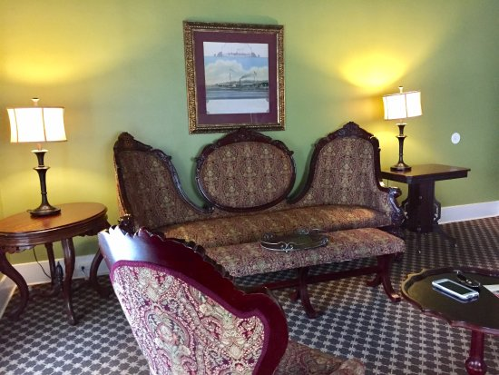 Menger Hotel: King Ranch Suite Sitting Area