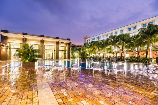 Holiday Inn Managua - Convention Center: Swimming Pool