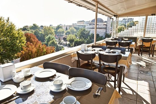 Star Holiday Hotel: hotel area view from terrace, sultanahmet