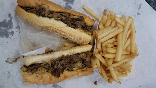 Iggles Philly Cheese Steak With Mushrooms And French Fries