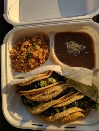 Plantation, FL: 3 taco platter