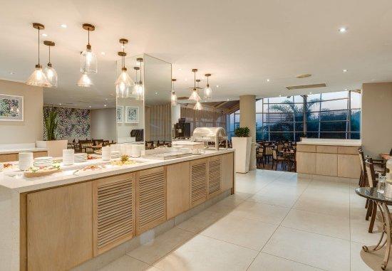 Illovo Beach, South Africa: The Oakwoods Restaurant - Buffet