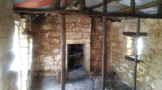 Grampians, Australia: Inside Workers Cottage