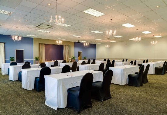 Protea Hotel by Marriott King George: Regency Hall   Classroom Setup