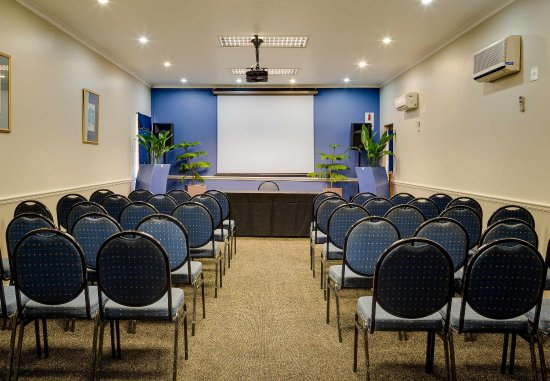 Protea Hotel by Marriott King George: George Room   Theater Setup