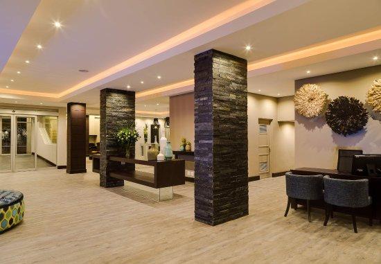 Protea Hotel by Marriott Pretoria Capital: Lobby