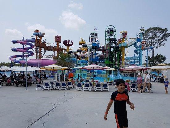kids friendly water slides - Picture of Cartoon Network Amazone, Jomtien Beac...